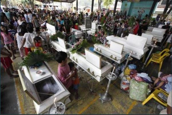 ondoy dead with evacuees by reuter